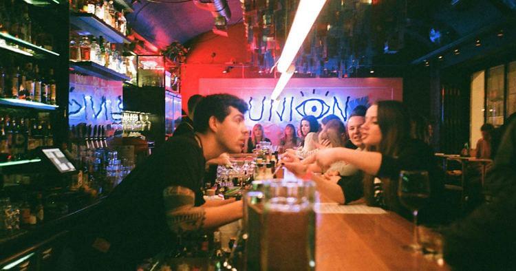 Studentenlokale in Wien: Hier isst, feierst und trinkst du am besten!
